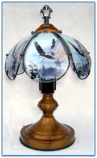 Small Eagles Touch Lamp