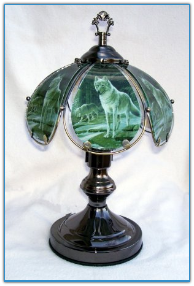 Small Wolf Touch Lamp - Green Background